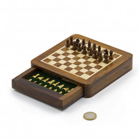 Squared magnetic chess set in natural wood - with drawer