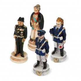 Chess pieces Carabinieri High Uniform and State Police in alabaster and resin painted by hand