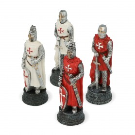 Chess pieces Crusaders in alabaster and resin hand-painted