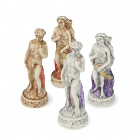 Chess pieces Florence and its monuments in alabaster and resin painted by hand.