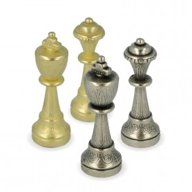 Classics Staunton chess pieces model metal zama with arabesque surface finished by hand.