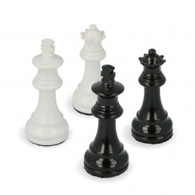 Chess pieces in white and black lacquered wood