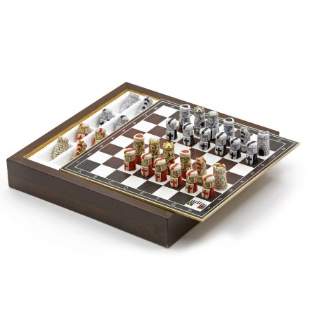 Chess Set with Chess pieces Crusaders in alabaster and resin handpainted and Box container for chess in wood