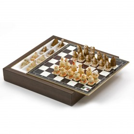 Chess Set with Chess pieces Animals of the Farm in alabaster and resin handpainted and Box container for chess in wood