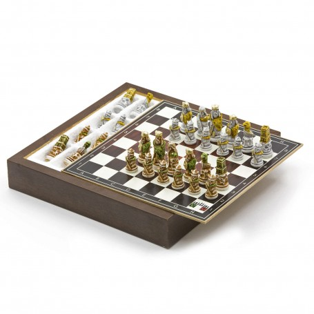 Chess Set with Chess pieces The Viking in hand painted alabaster and resin and Box container for chess in wood