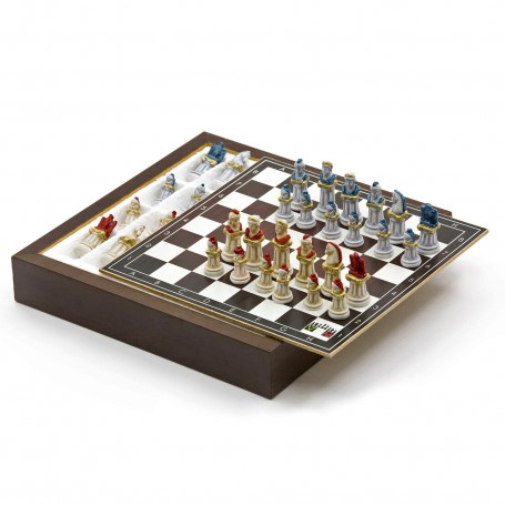 Chess Set with Chess pieces Ancient Rome in alabaster and resin handpainted and Box container for chess in wood