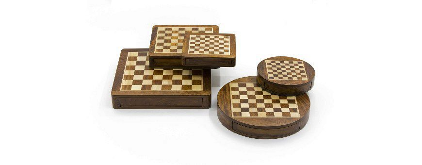 Magnetic Chess Sets Made in Wood