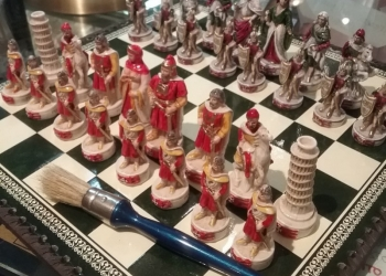 Find out how to keep your chess beautiful and clean as they were brand new